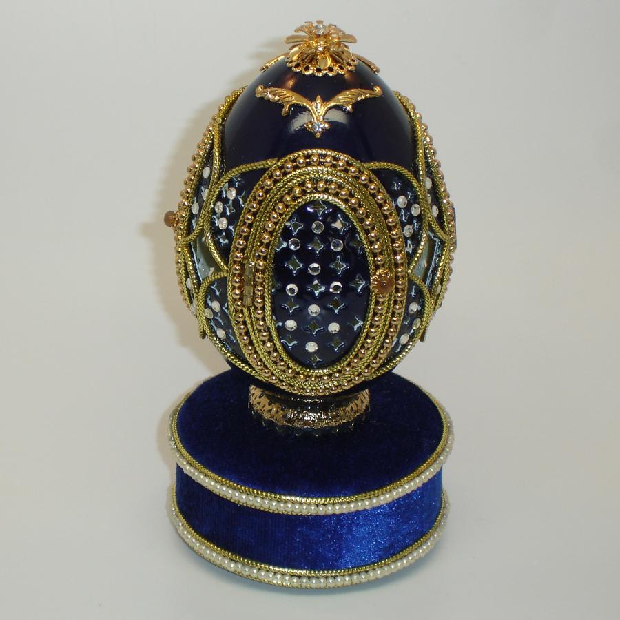 Crystal-Carousel-Musical-Egg