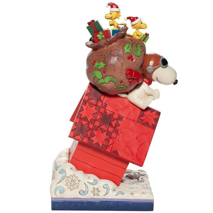 Snoopy-Delivering-Gifts-right-view