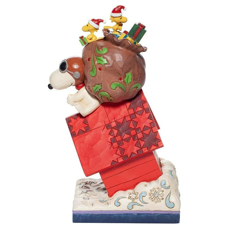 Snoopy-Delivering-Gifts-side-view