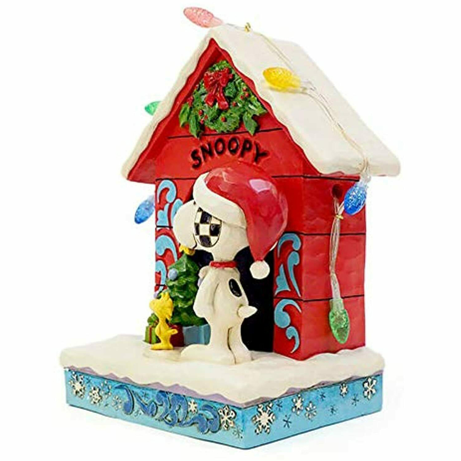 Snoopy-Dog-House-left-view