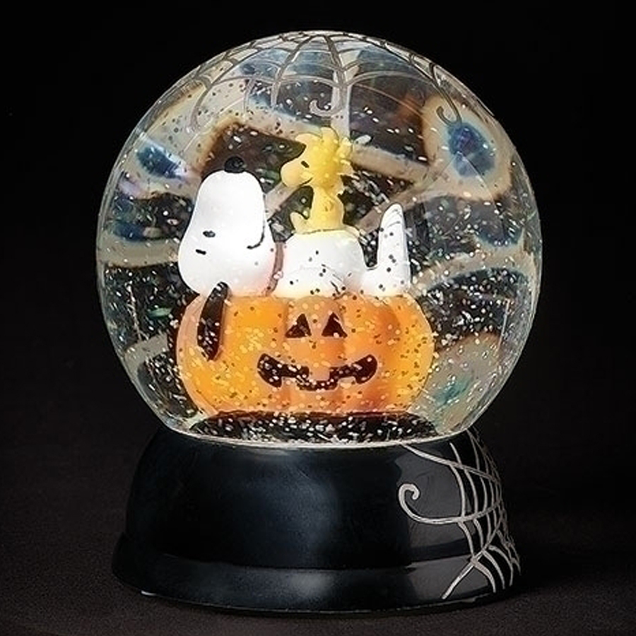 Snoopy-Woodstock-Halloween-Snow-Globe