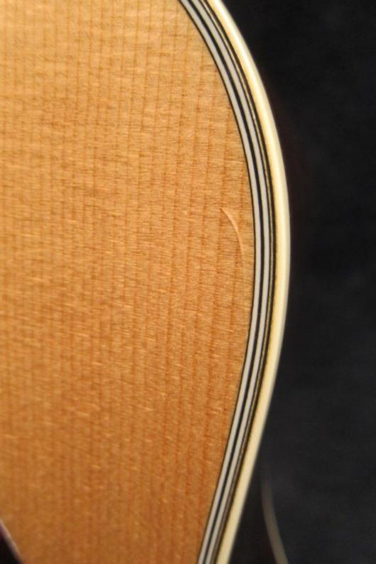 Santa Cruz Guitar Model lacquer check