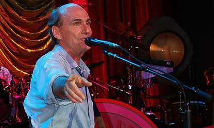 James Taylor opens tour at New Jersey's Prudential Center