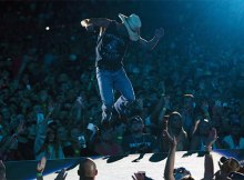 Kenny Chesney breaks Gillette Stadium ticket record