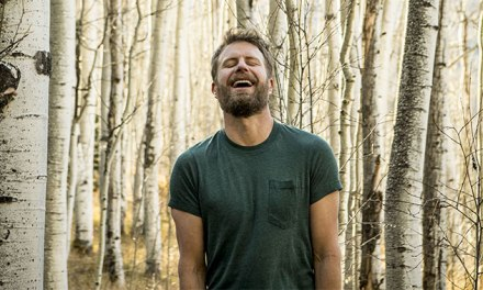Dierks Bentley goes platinum with 'Living'