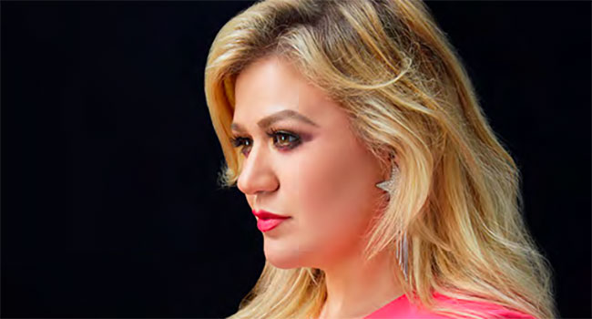 Kelly Clarkson hosting 2020 Billboard Music Awards