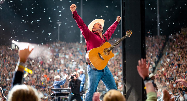 Garth Brooks withdraws from CMA Entertainer of the Year; postpones Vegas show