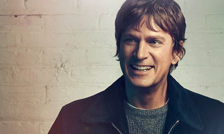 Rob Thomas announces intimate at-home concert