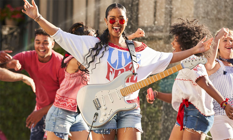 H.E.R. covers George Michael for Old Navy TV spot