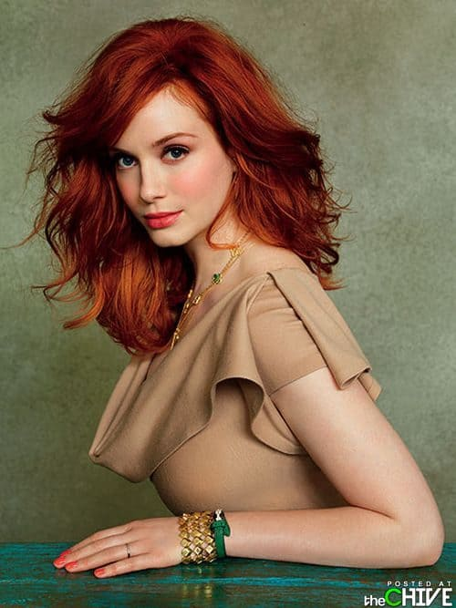Hot redhead povtures