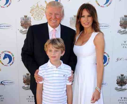 Trump Melania and cub pic