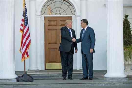 trump-romney-handshake