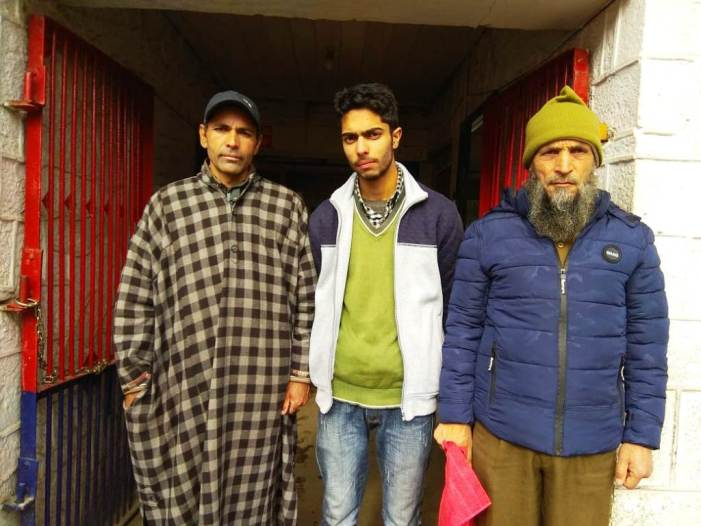 Kashmir police reunites missing boy with family in Anantnag
