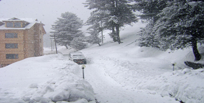 Snowfall Aftermath: Essential services restored on war footing ; Div Com