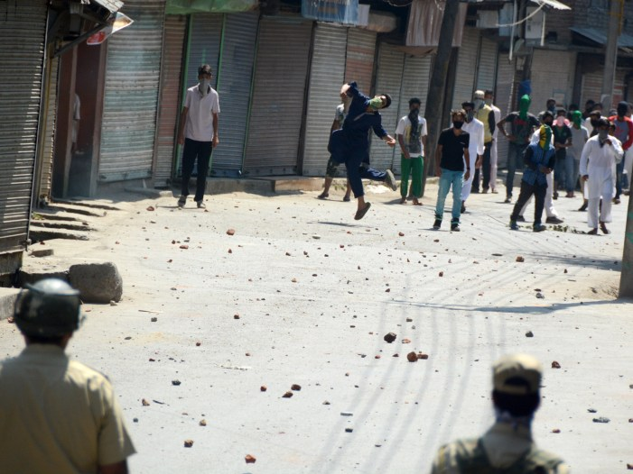 Kulgam Encounter Ends, Militants Flee, 60 Persons Injured During Clashes