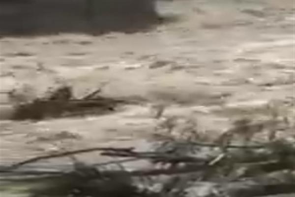 Flash floods damage bridge on Ferozpora nallah in Tangmarg, several Pattan villages inundated