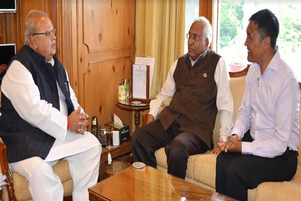 Director General IMD meets Governor
