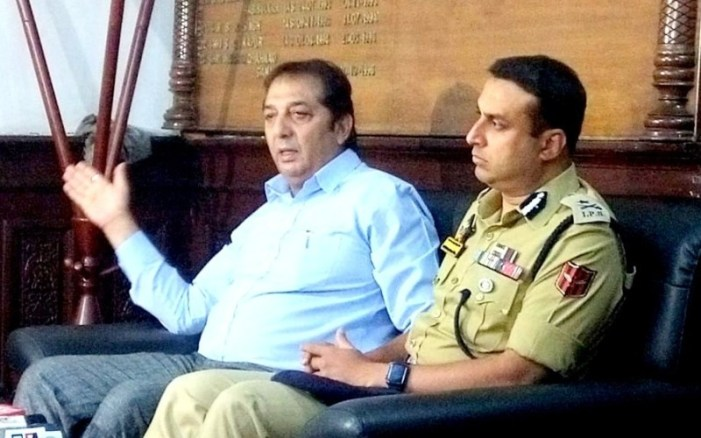 No blanket ban on civilian movement on Kashmir highway during Yatra: Div Com