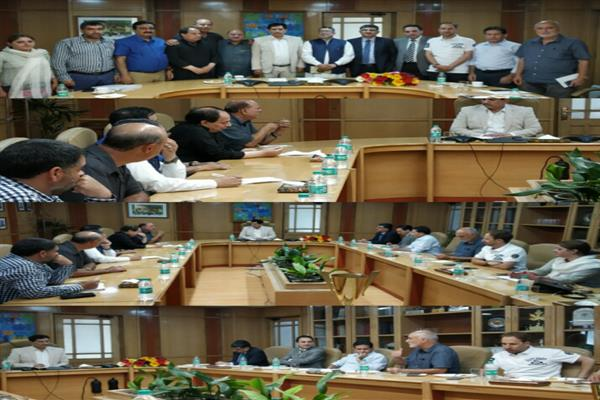 PHD Chamber delegation meets J&K Bank Chairman
