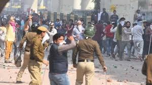 Clash erupts between pro & anti CAA groups in northeast Delhi's Maujpur