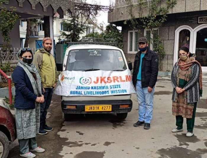 Within 36 hours, JKSRLM hands over 10770 masks to Srinagar Admn