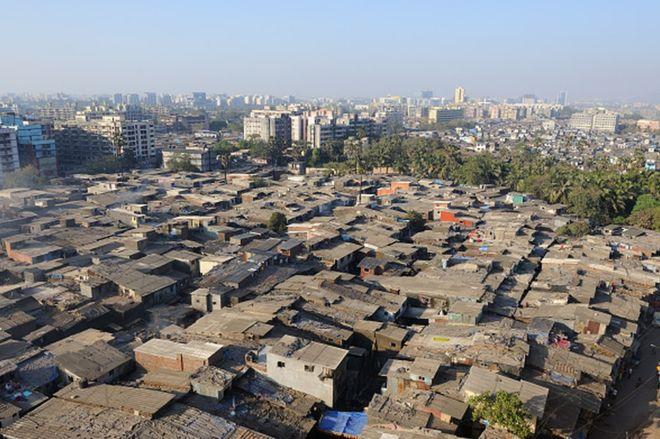 Coronavirus: The race to stop the virus spread in Asia's 'biggest slum'