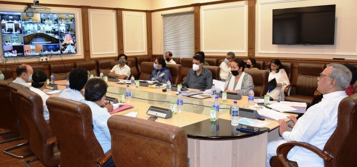 Advisor Khan reviews implementation of Social Welfare Schemes in J&K