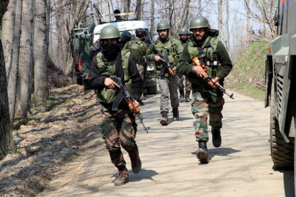 Gunfight breaks out in south Kashmir's Awantipora