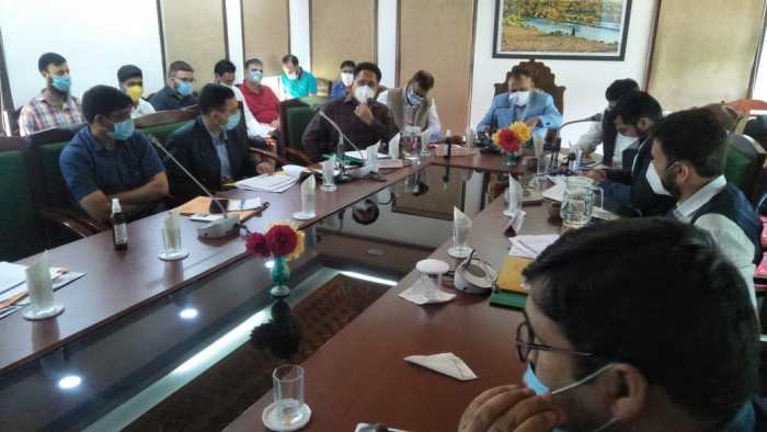 Div Com visits Ang, reviews revenue matters of South Kashmir