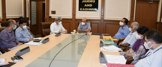 CS reviews Covid-19 management in Jammu GMC, AHs
