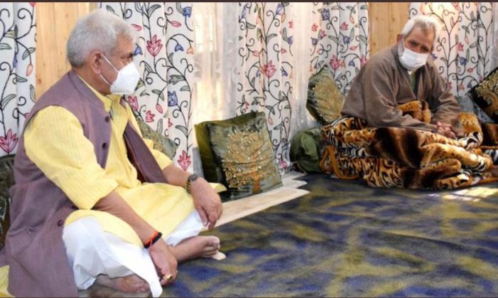 LG Sinha visits slain Babar Qadri's family, assures support