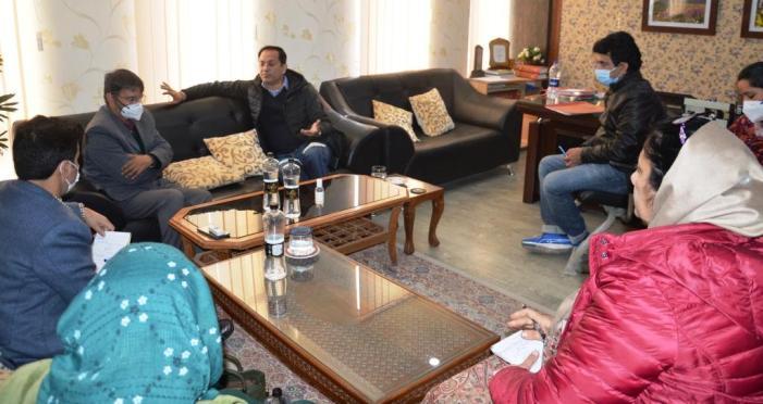 Bipal Pathak reviews functioning of Social Welfare department