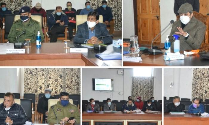 Advisor Baseer Khan visits Anantnag; assesses post snowfall scenario in Anantnag and Kulgam, meets public delegations