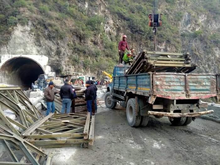Traffic restored on Jammu-Srinagar NH as BRO completes work on Bailey bridge