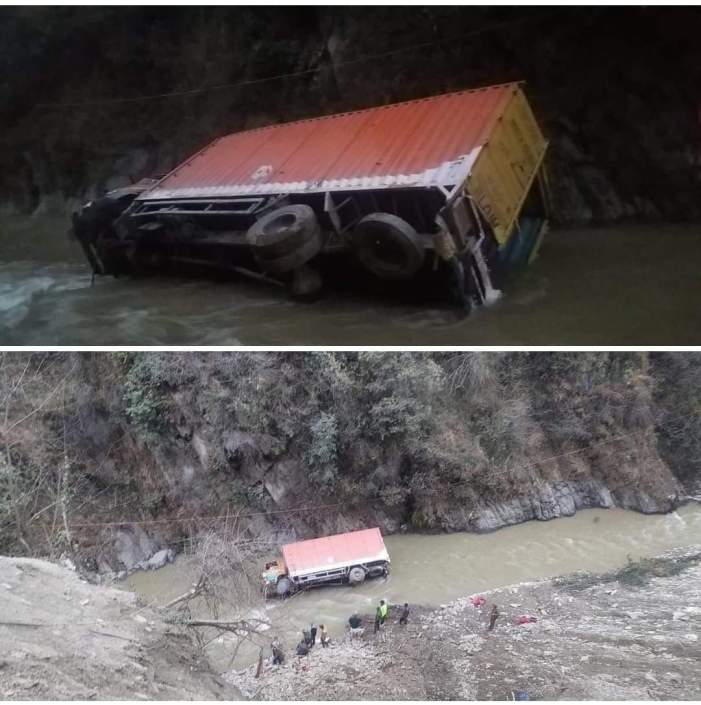 2 persons missing, another injured as truck falls in Nallah in Ramban