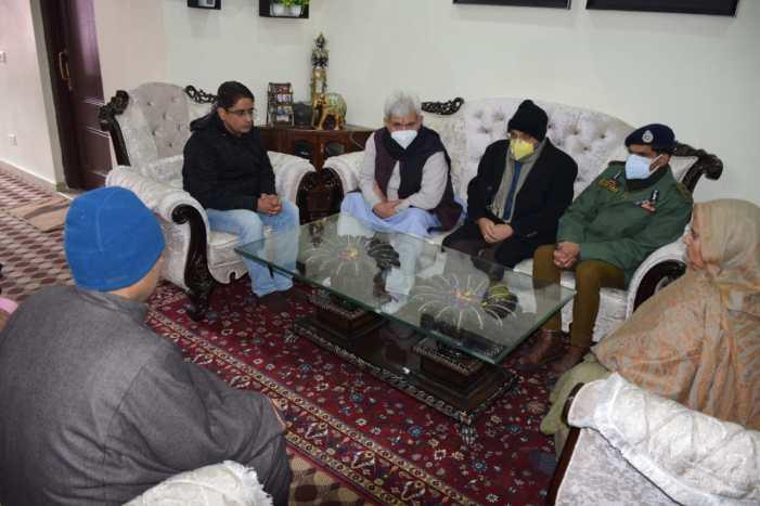 Lt Governor visits family of slain goldsmith Satpal Nischal, who was killed by terrorists at Srinagar