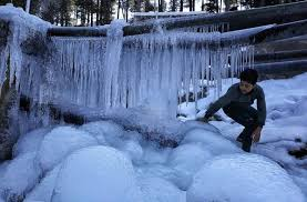 Cold wave conditions persist in Kashmir