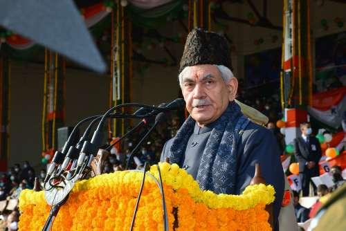 Lt Governor Manoj Sinha hoists National Flag at R-Day function