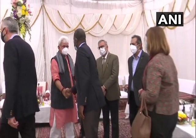 Foreign envoys meet L-G Sinha at Raj Bhavan in Jammu