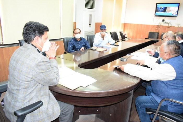 Div Com reviews land acquisition process for Khaleni-Kishtwar-Chatroo; Jammu Akhnoor Roads