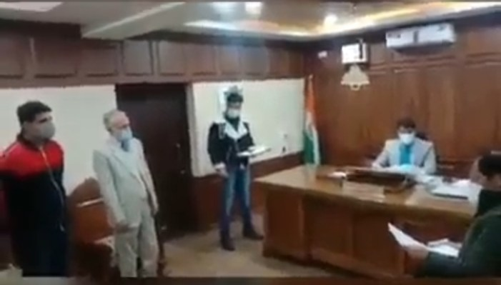 Video of a teacher thrashing student goes viral, case registered in Srinagar