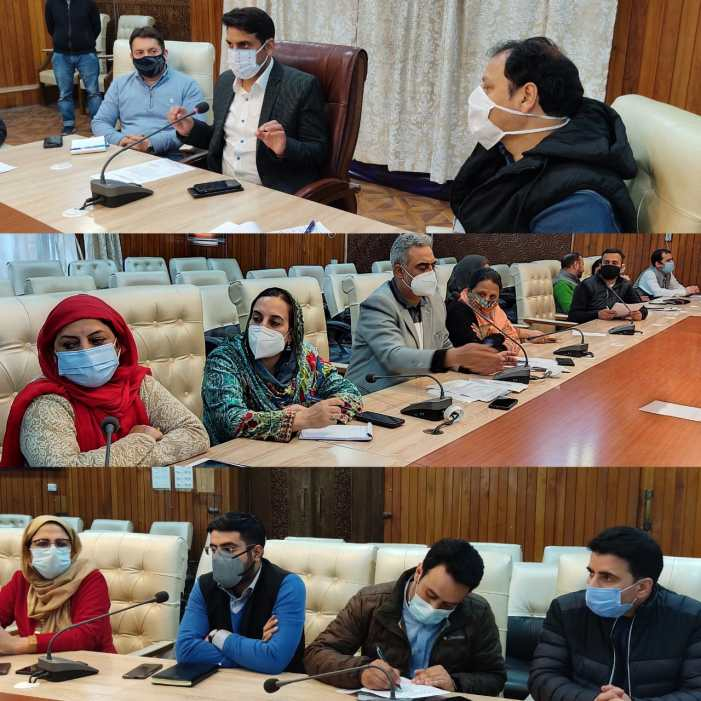 DC Srinagar directs for intensifying COVID-19 vaccination