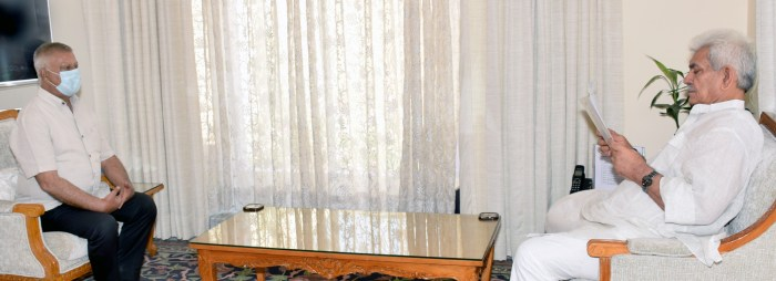 Former Minister, delegation of elected representatives call on Lt Governor