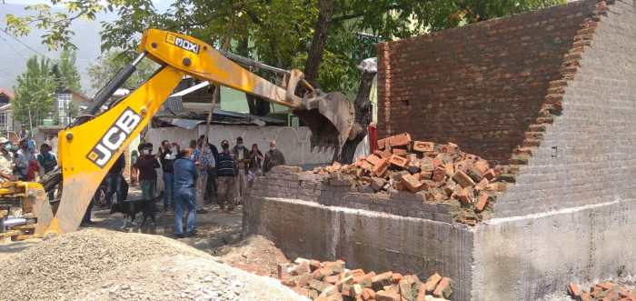 LAWDA demolishes illegal structures in green belt areas