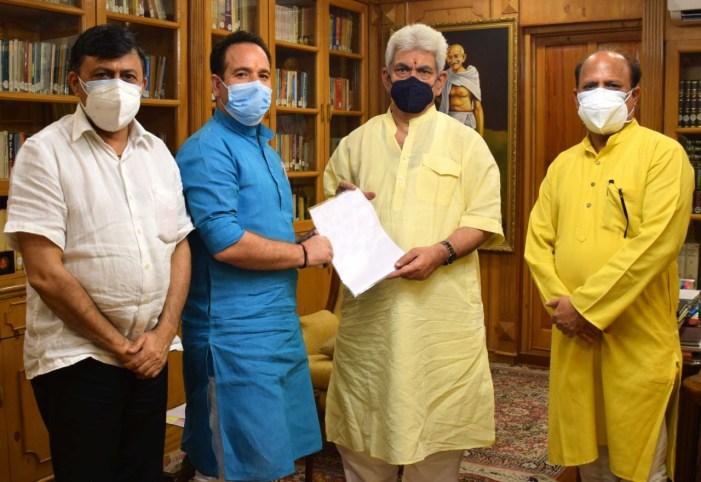 Former Ministers; VC Cluster University Srinagar, Social Activist call on Lt Governor