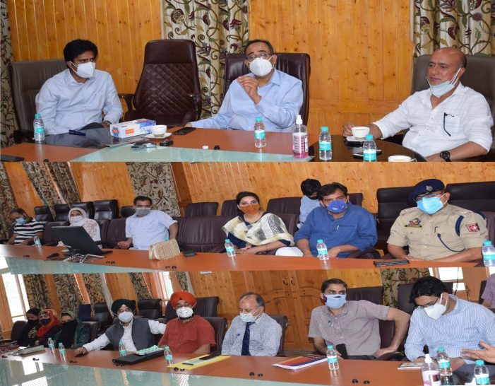 Principal Secretary PDD interacts with DDC members at Pulwama