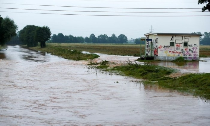 Further flooding feared in western Germany with death toll above 80