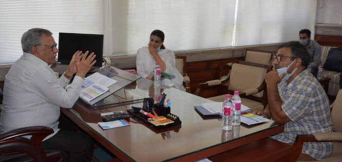 Advisor Farooq Khan reviews progress on various ongoing Sports infrastructure projects under JKSC
