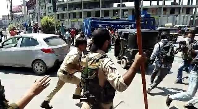 Media men thrashed while covering Muharram procession at Jahangir Chowk