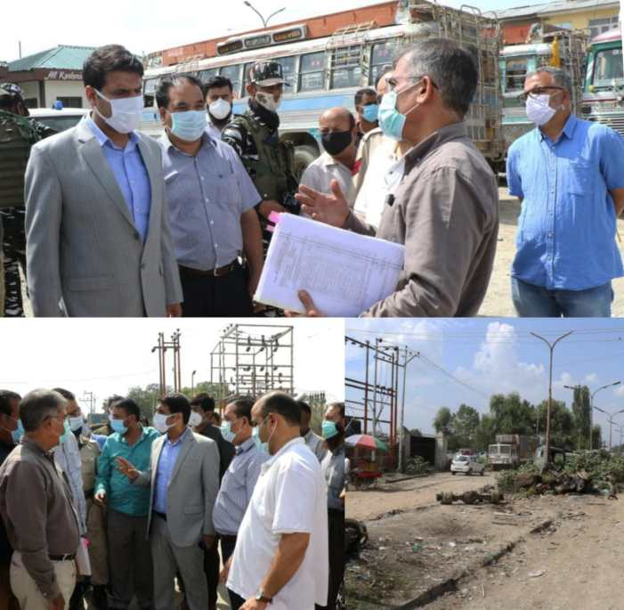 DC Srinagar visits Parimpora Bus Terminal